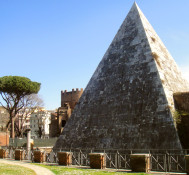 Walk like an Egyptian…in Italy!!